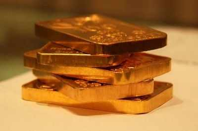 Gold rises by Rs 110 on global cues, jewellers' buying thumbnail