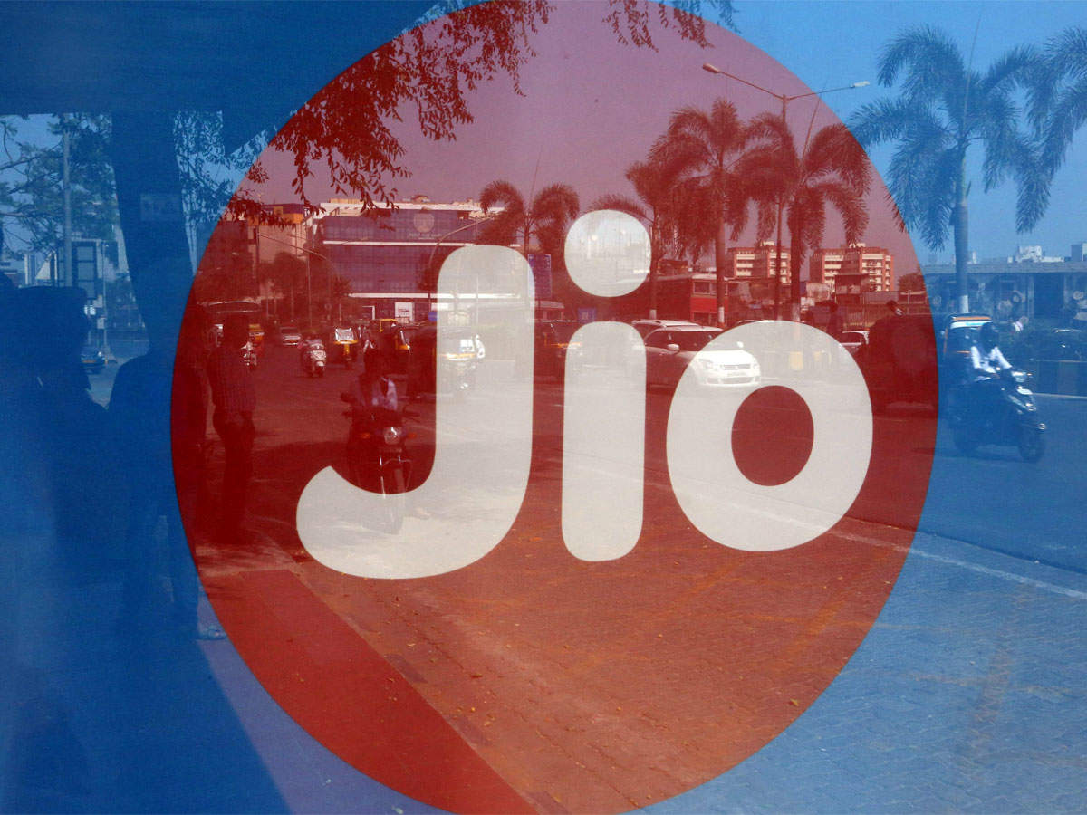 Reliance Jio announces a new Special Annual plan with 100% cashback offer thumbnail