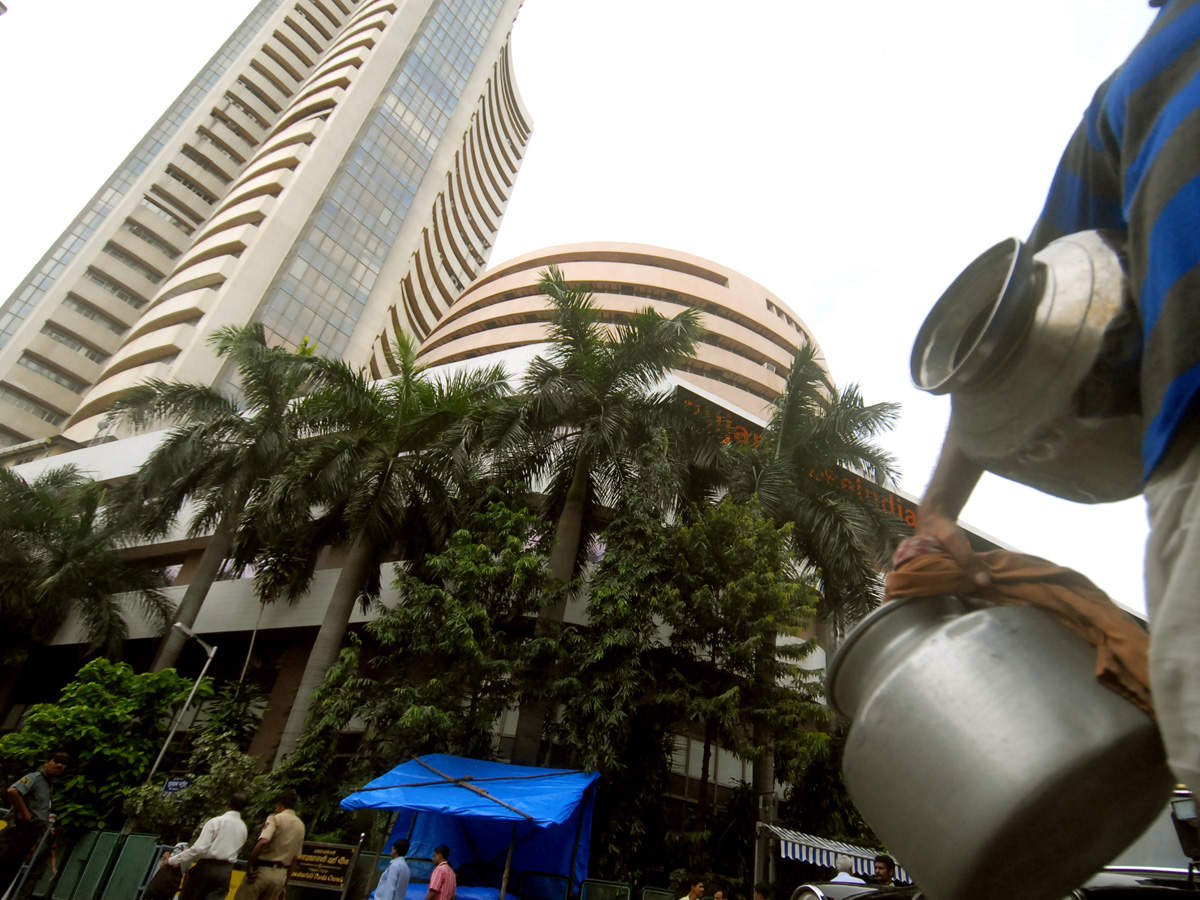 Dalal Street week ahead: Nifty to seek a base, as F&O rollovers pick up pace thumbnail