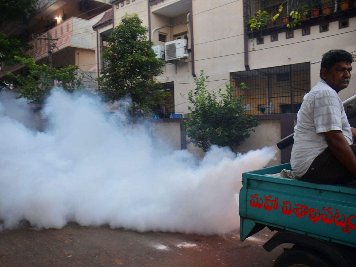 Dengue claimed 80 lives, affected 40,000 people till September '18: Health ministry thumbnail