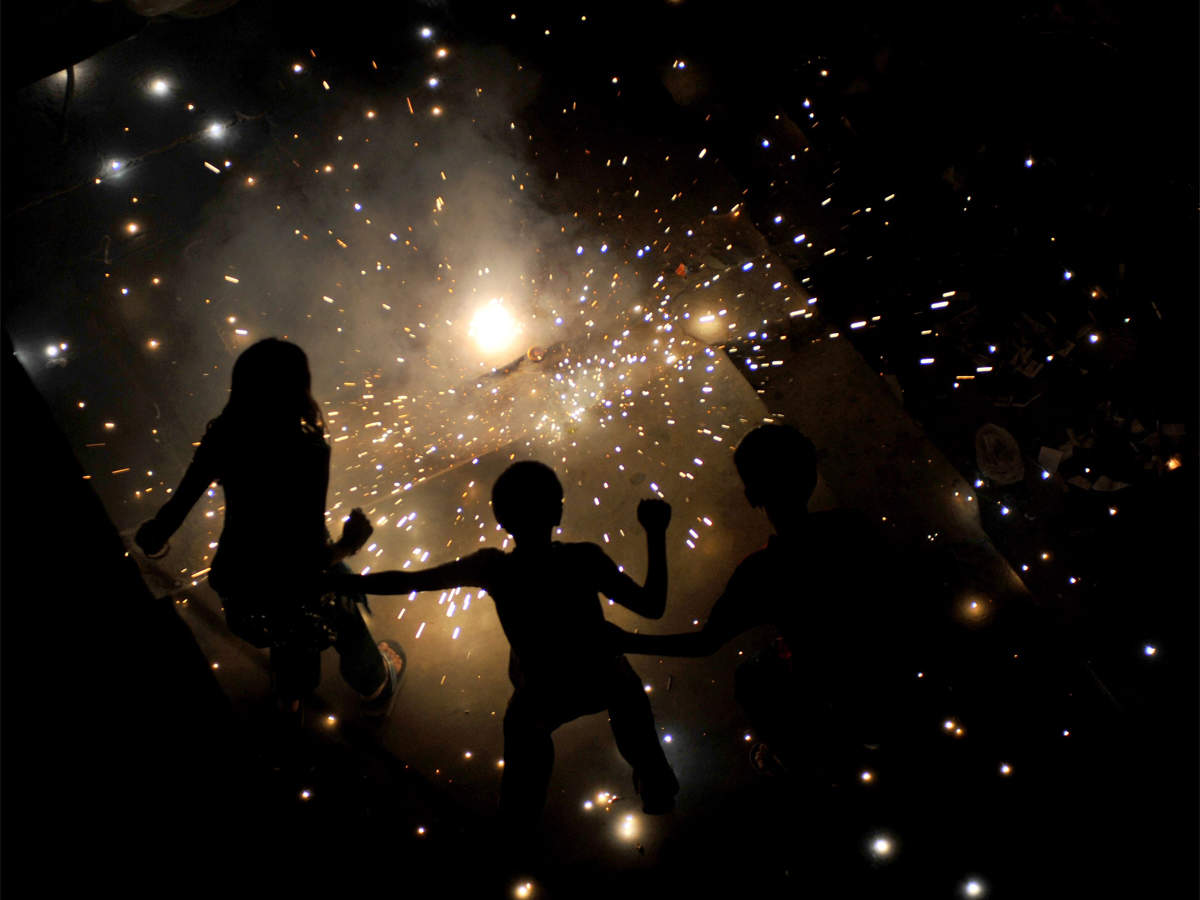 Singapore court charges 4 NRIs over lighting fireworks on Diwali thumbnail