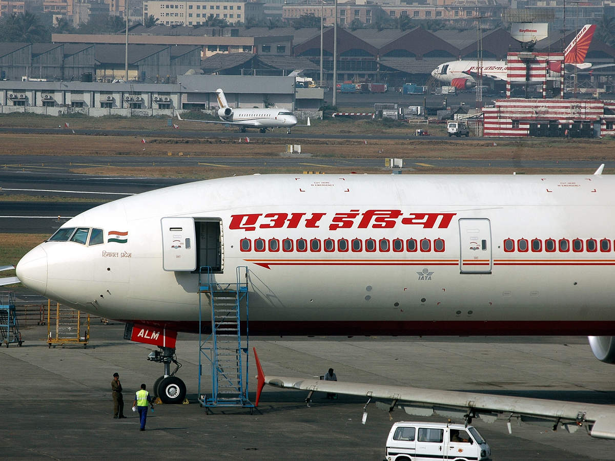 Air India pilot Arvind Kathpalia relieved from Director (Operations) post thumbnail