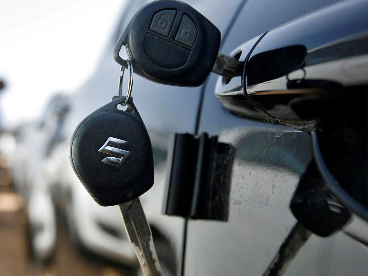 Maruti Suzuki feels the heat, loses market share thumbnail