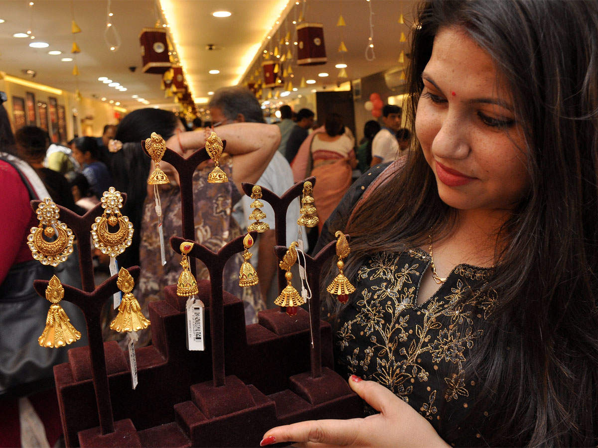Jewellery exports may decline despite demand surge from Europe: Traders thumbnail