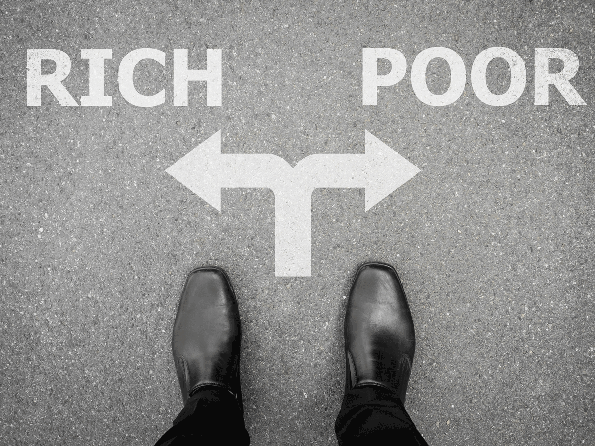 Feeling poor may lead to riskier behaviour and bad investing decisions thumbnail