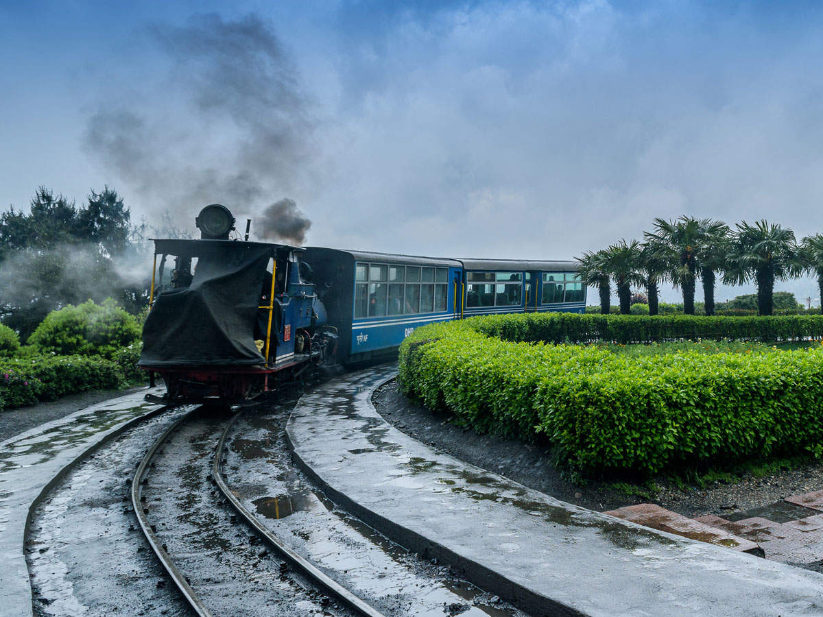 Toy train launched in Darjeeling Himalayan Railway thumbnail