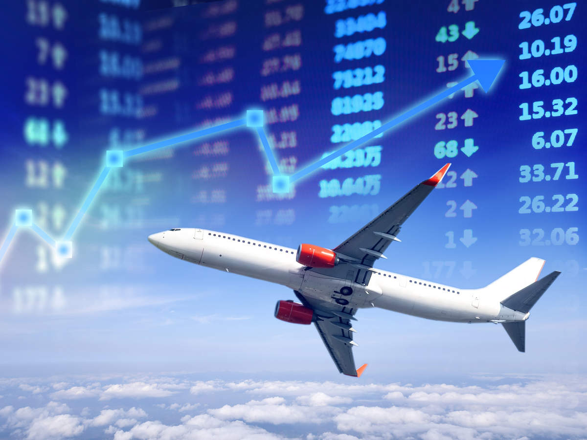 Airlines, oil cos gain on easing crude oil prices