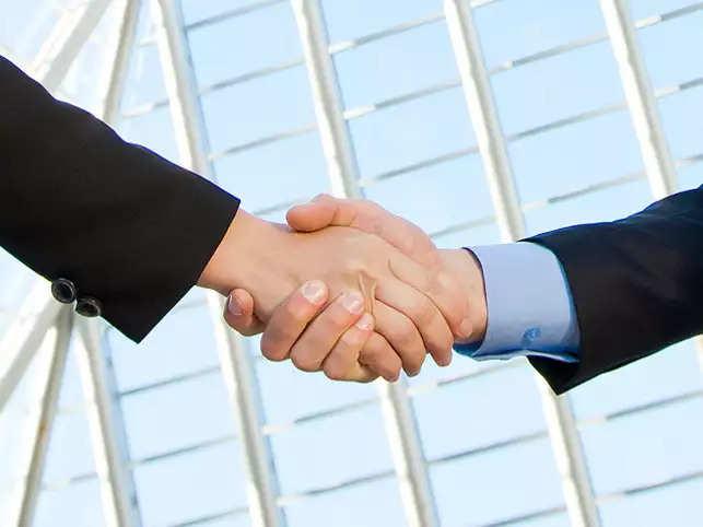 Huawei, Infosys sign partnership pact for cloud computing business