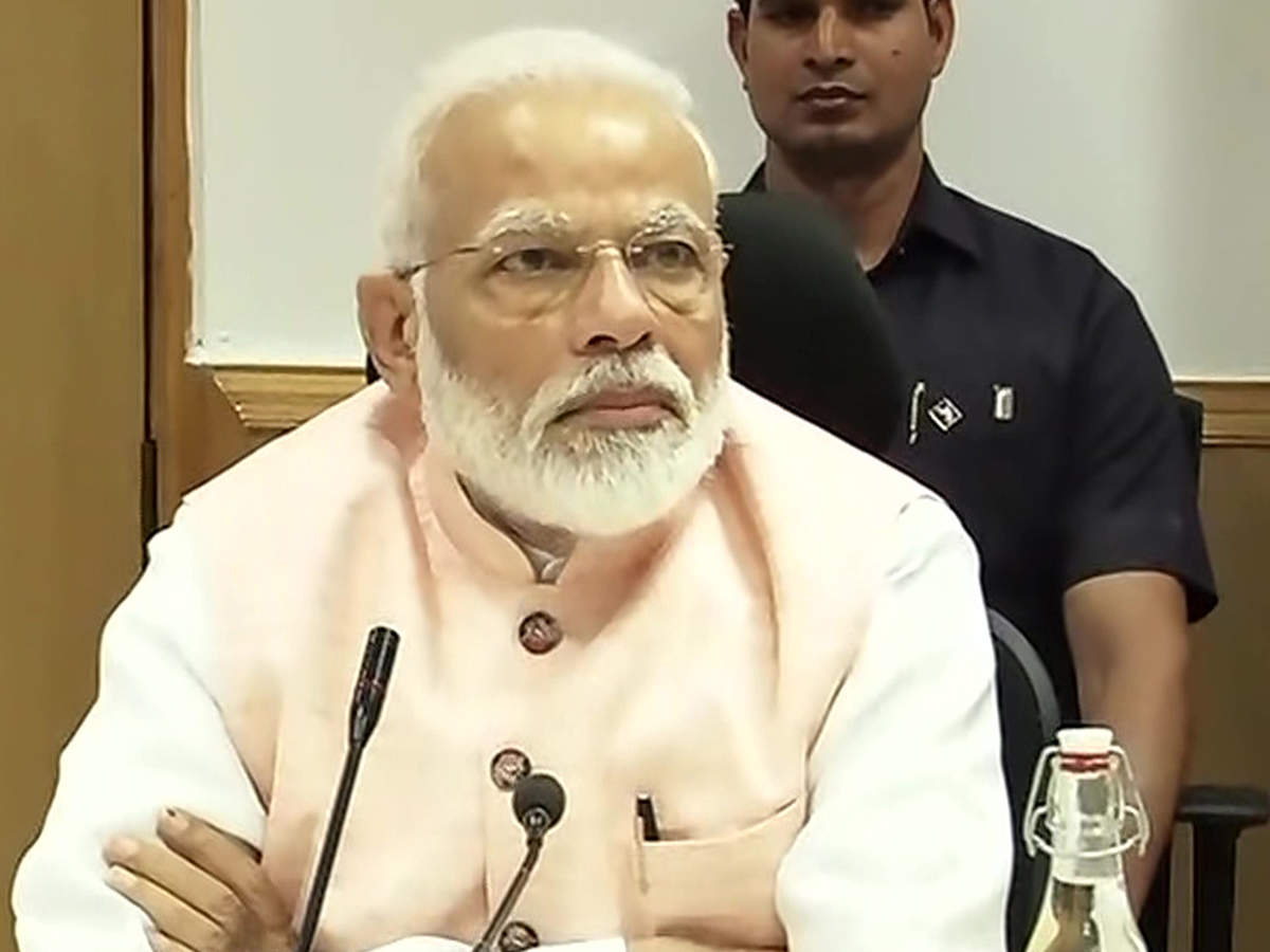PM-economists meet: 'Single-minded pursuit' for growth, FDI in banking, divestment discussed