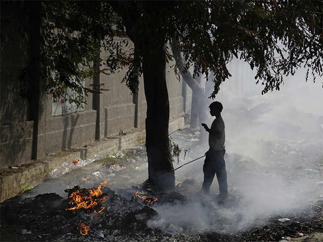 Punjab announces Rs 2500 per acre for not burning stubble