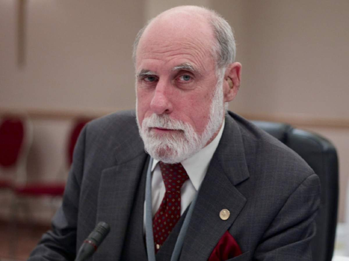 Net pioneer Vint Cerf warns of digital info dark age