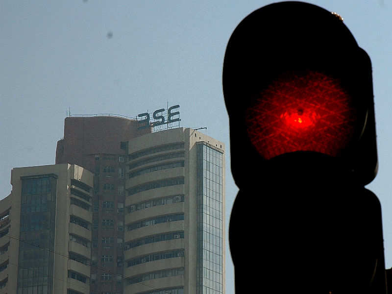 Investors lose Rs 2.3 lakh crore as bears rule D-St for second day