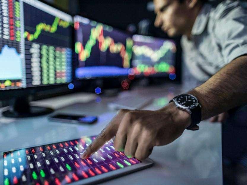 Trade Setup: Broader market lags; expect tactical shift to defensives