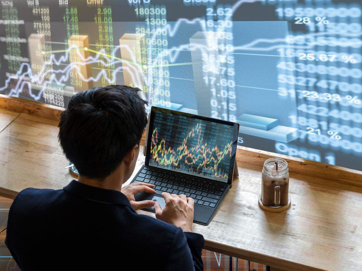 Tech View: Nifty sends out sell signal on MACD; it's a 'sell on rise' market