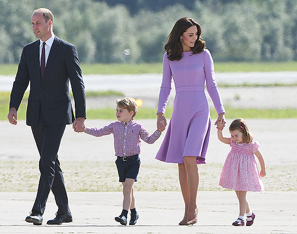 kensington palace: Prince George starts first day of school with father Prince William - The Economic Times