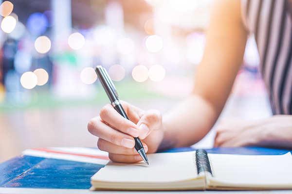 journal-writing-diaryThinkstockPhotos-847069454