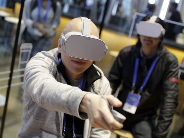 Geeky Realm Of Virtual Reality