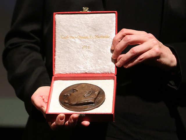Nobel-prize-medal_640x480_getty