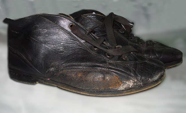 One of the very first pair of Racing Shoes signed Ciccio for the driver Nanni Galli