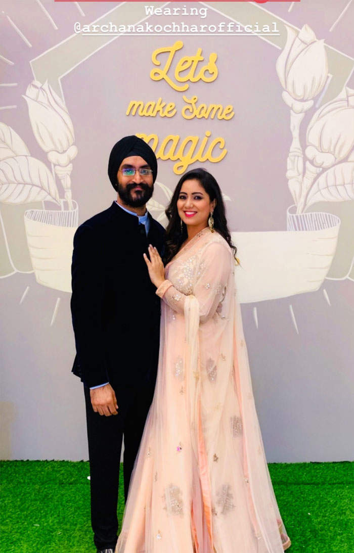 ​Hashdeep Kaur with husband Mankeet Singh​ (L)