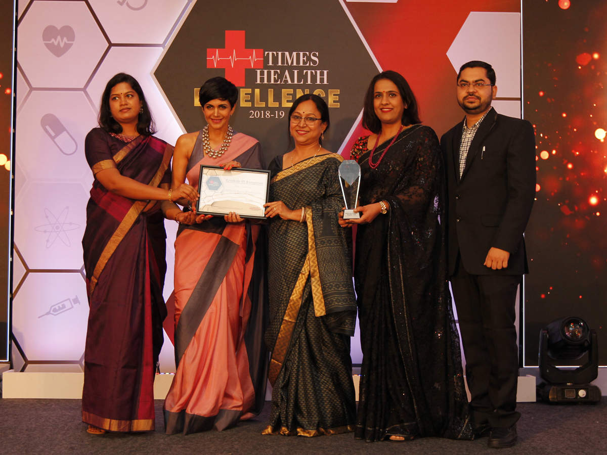 Mandira Bedi (second left) presented The Times Health Excellence in Service in Multispeciality Hospital to MGM Hospital (from left) Dr Divyashree, Dr Kalyani Sen, Dr Archana Thakur and Dr Tushar Sontakke.
