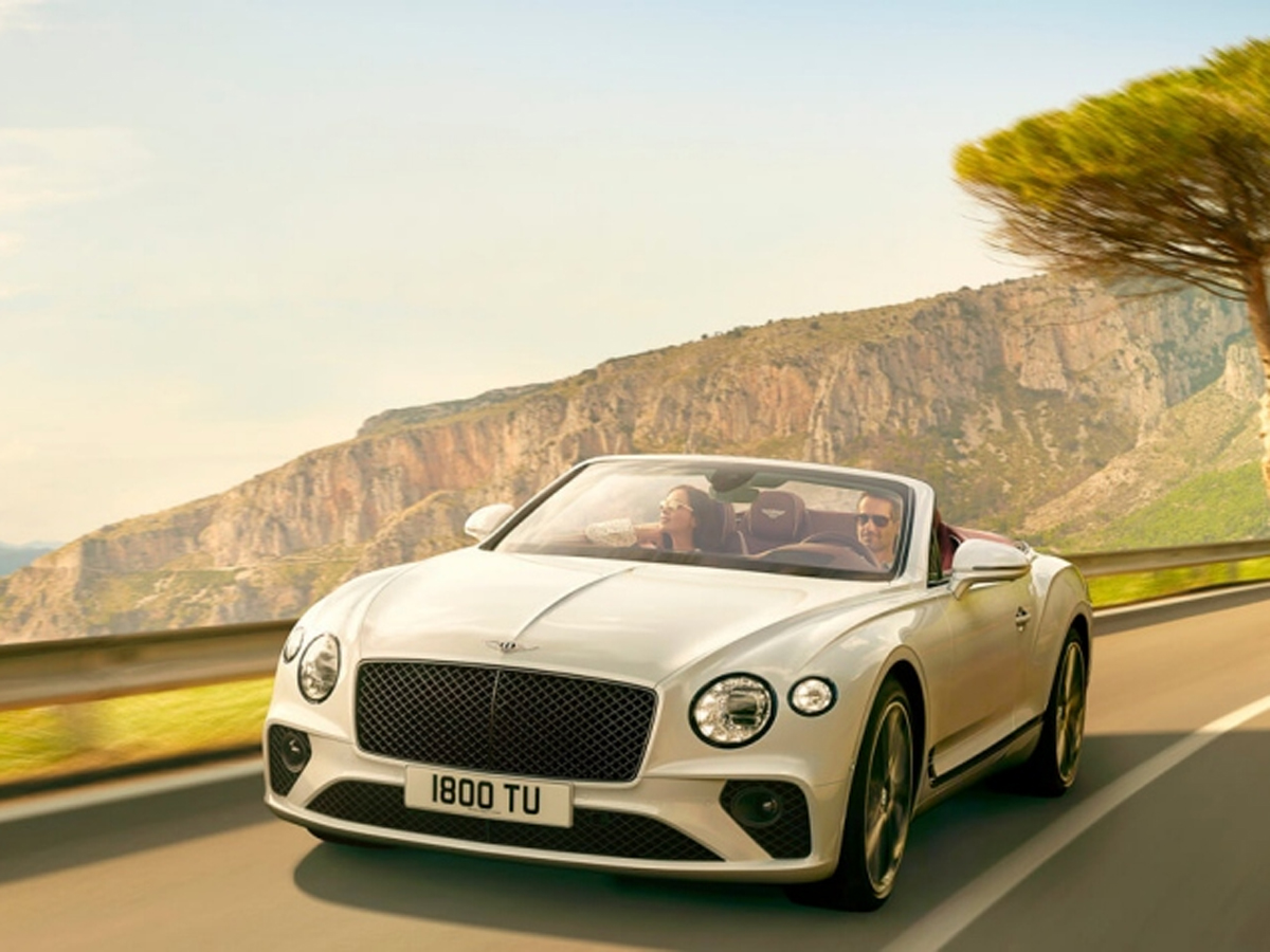 Bentley Meet Bentley S Best Selling Beast The Devastatingly Handsome Rs 1 37 Cr V8 Continental Gt The Economic Times