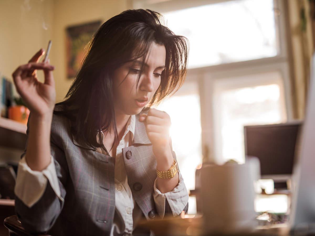 cough-smoking-Pneumonia_iStock