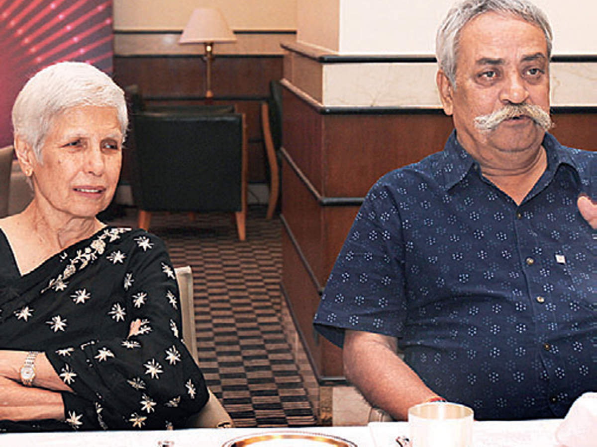 Anu Aga and Piyush Pandey enjoy conversations at the dinner table.