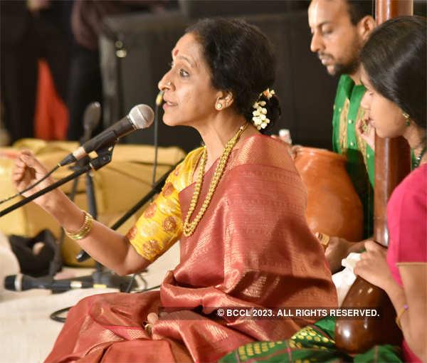 Bombay' Jayashri performs at the reception.