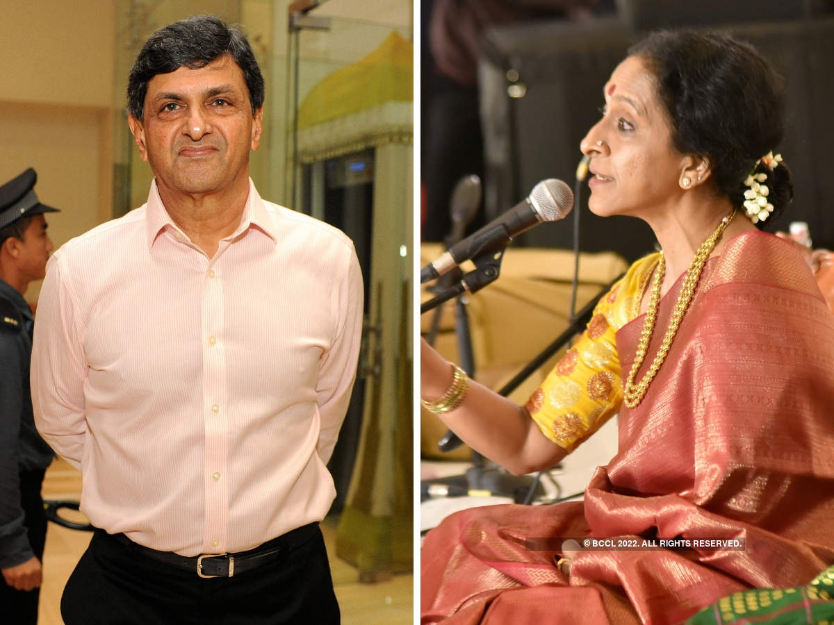 Badminton legend Prakash Padukone (L) was in attendance. Bombay Jayashree (R) enthralled the guests.