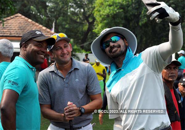 S. Badrinath takes selfie with Brian Lara (L) and Ajit Agarkar at the Willingdon Sports Club in Mumbai.