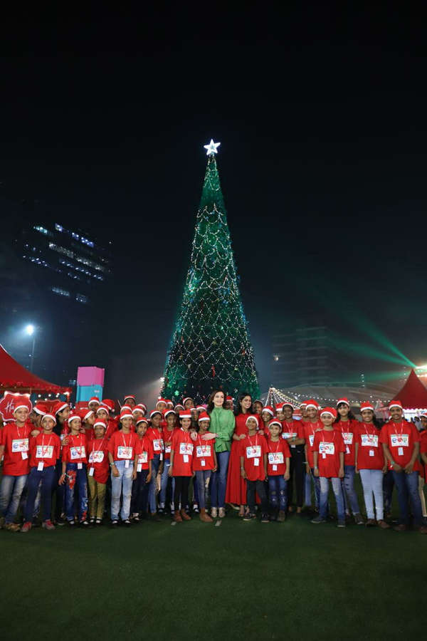 Nita and Isha Ambani kicked off the carnival by switching on the lights of the 'Recycle4life Christmas tree'. ​