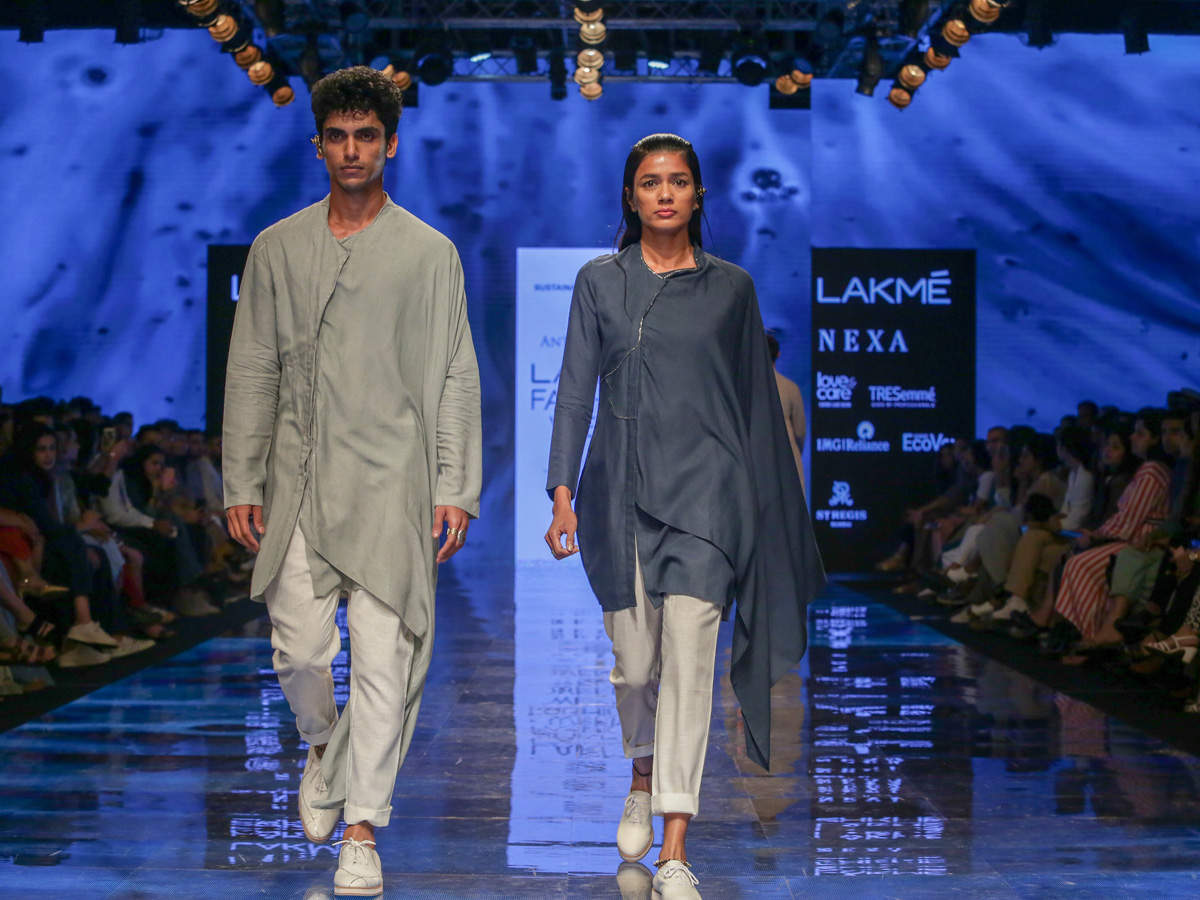 It is Dubey's almost signature use of dull, earthy tones of blacks, greys, blue, turquoise, off-white and rust that caught our attention.