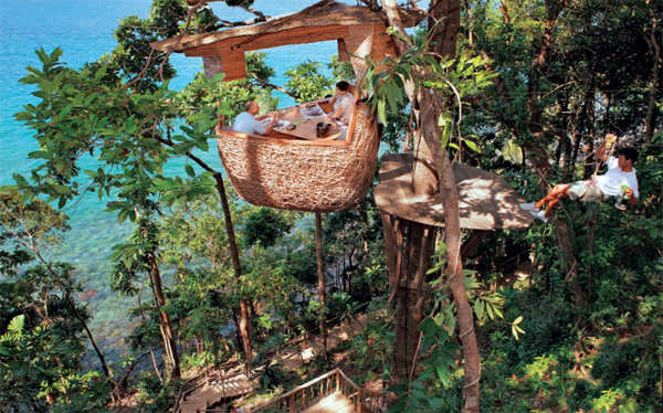 DINING WITH A VIEW: Thailand offers a variety of options that are perfect for a micro-cation.