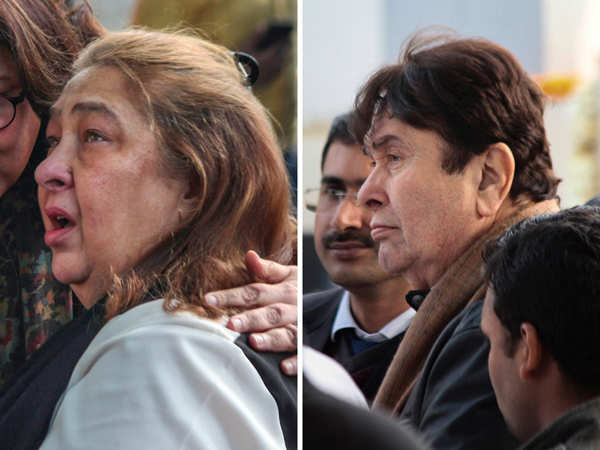 ​Reema Jain (L) and Randhir Kapoor paid their last respects to their sister.