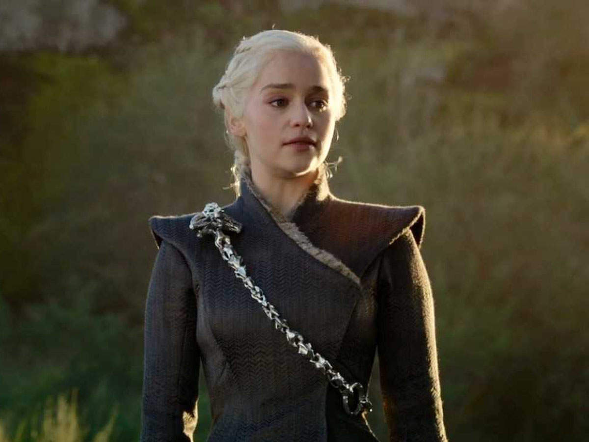 The pilot of the new prequel is set 300 years before the events of the flagship series and tells the story of House Targaryen, rich in the dragonlord ancestors of Daenerys (played by Emilia Clarke).