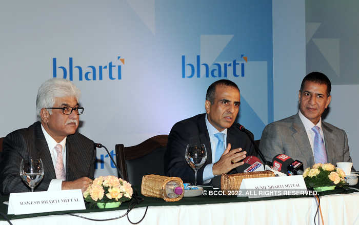 Chairman and Group CEO of Bharti Enterprises, Sunil Bharti Mittal (C), and Vice Chairmen and MDs - Rakesh Bharti Mittal and Rajan Bharti Mittal (R) address the media during the launch of 'Vision 2020' in New Delhi in Nov 2008.