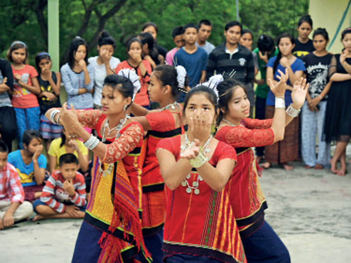 Promising a festive atmosphere, complete with folk musicians from the Northeast of India in their elaborate gear, this is a must-visit fest in September.