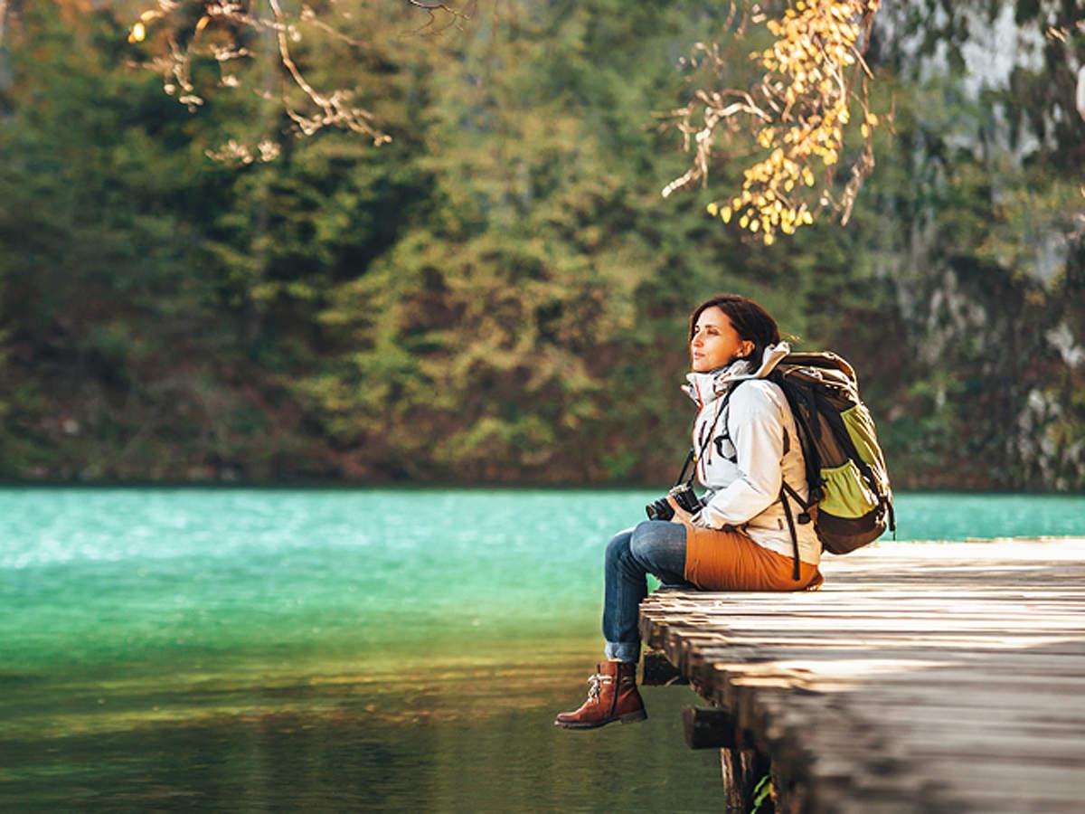 travel-woman_ThinkstockPhotos