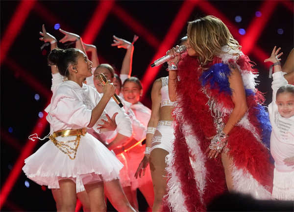 Jennifer Lopez and daughter Emme Muniz perform at the Super Bowl.