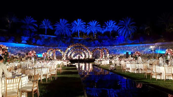 Luxurious wedding at Shangri-La's Amphitheatre