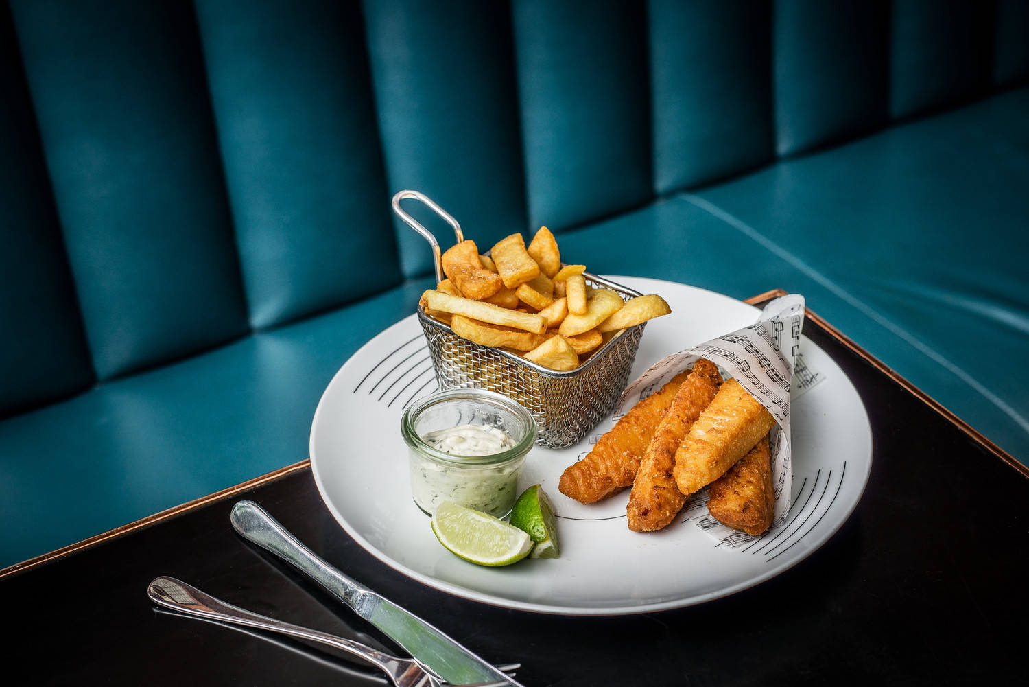 Tandoori Fish With Chips And Mint Aioli