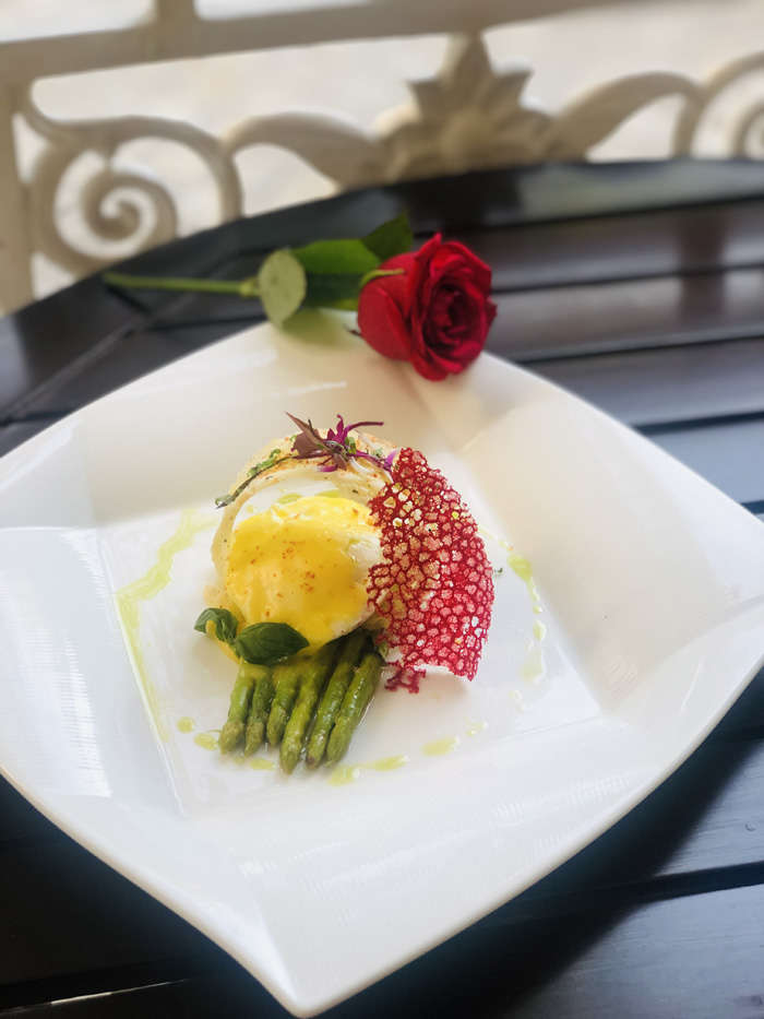 Garlic Buttered White And Green Asparagus With Organic Poached Egg And Hollandaise Sauce