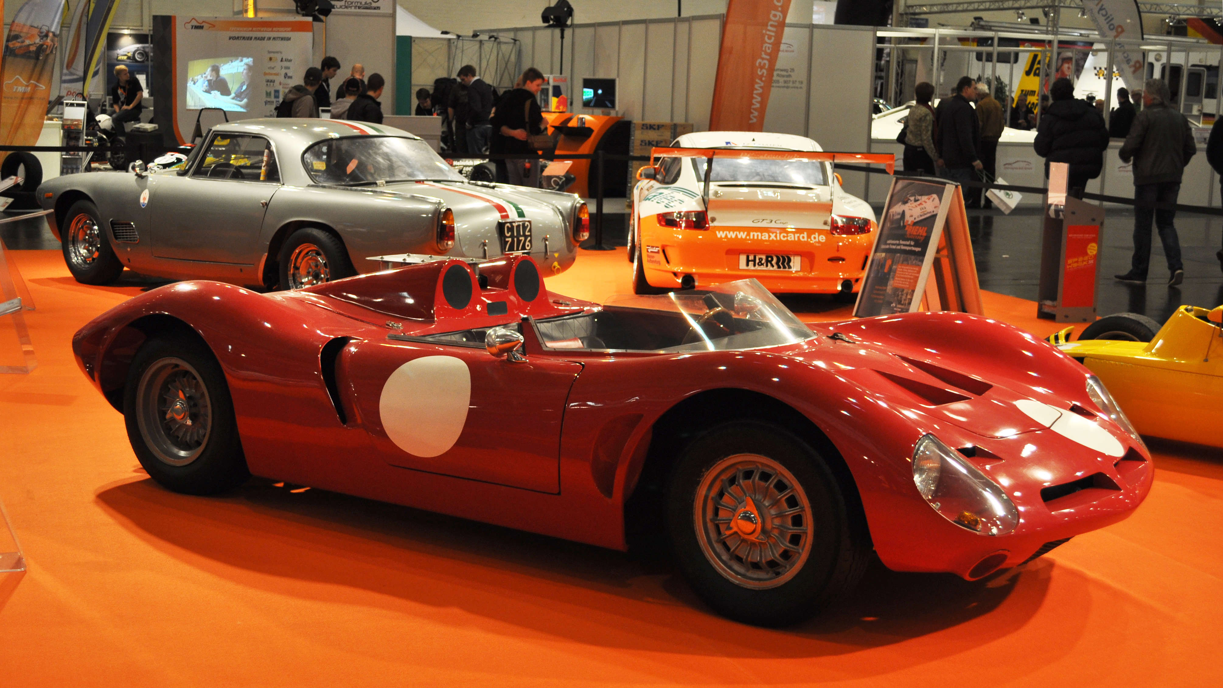 "These days, enthusiasts such as Chuck Wray, an accomplished mechanic who specializes in Italian race cars, call Bizzarrini ""the thinking man's Ferrari""."