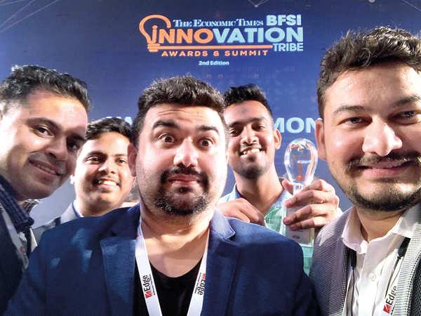 Team Diycam take a selfie.