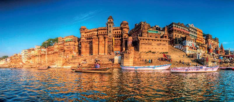 Dashashwamedha, Manikarnika and Harishchandra are some of the oldest ghats.