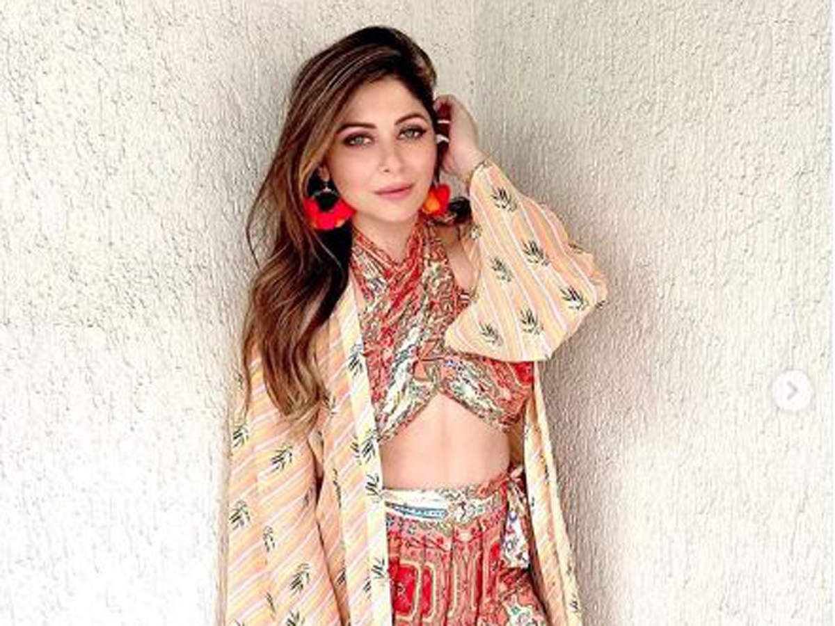 As soon as Kapoor posted the message, celebs took to Instagram to wish her a speedy recovery.