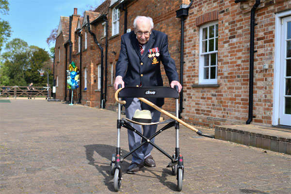Moore, who has used a walking frame with wheels since breaking his hip, had originally hoped to raise just £1,000.