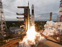 How will Isro contact Chandrayaan-2's Vikram?