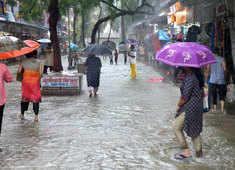 IMD issues red alert in Mumbai as monsoon arrives